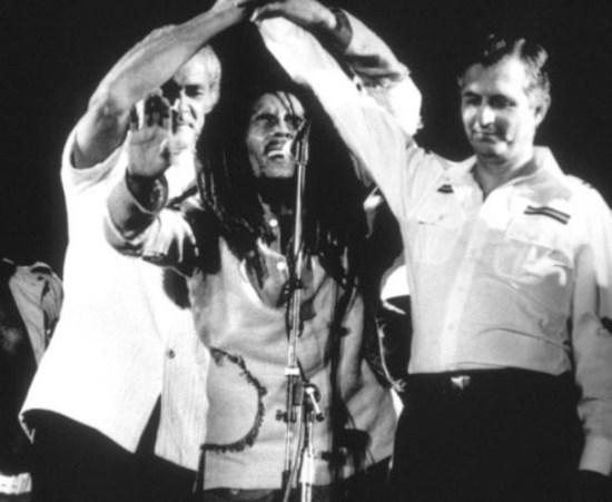 284549-singer-bob-marley-joined-tha-hand