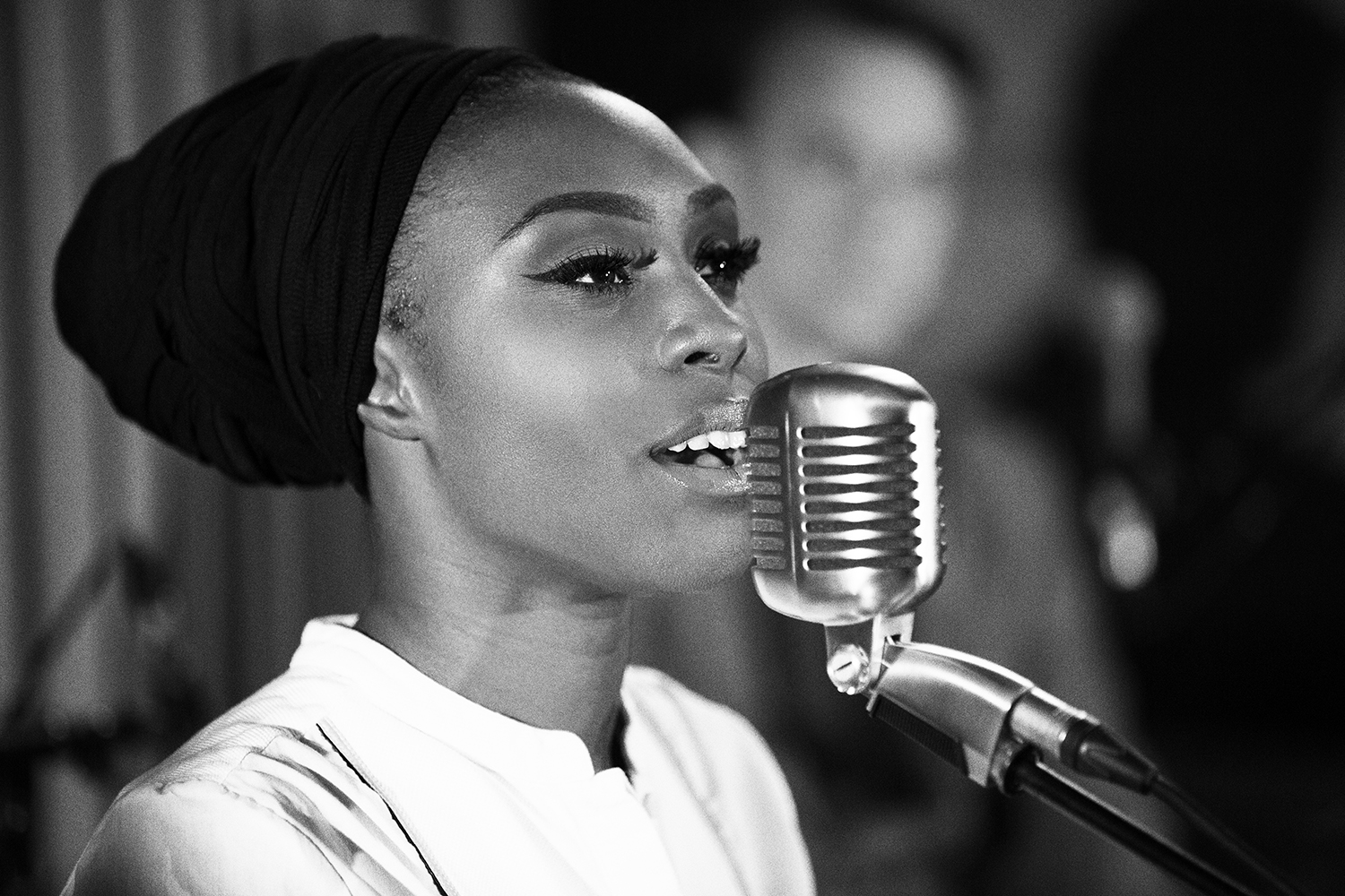 Laura-Mvula_MR2A8730.b-w