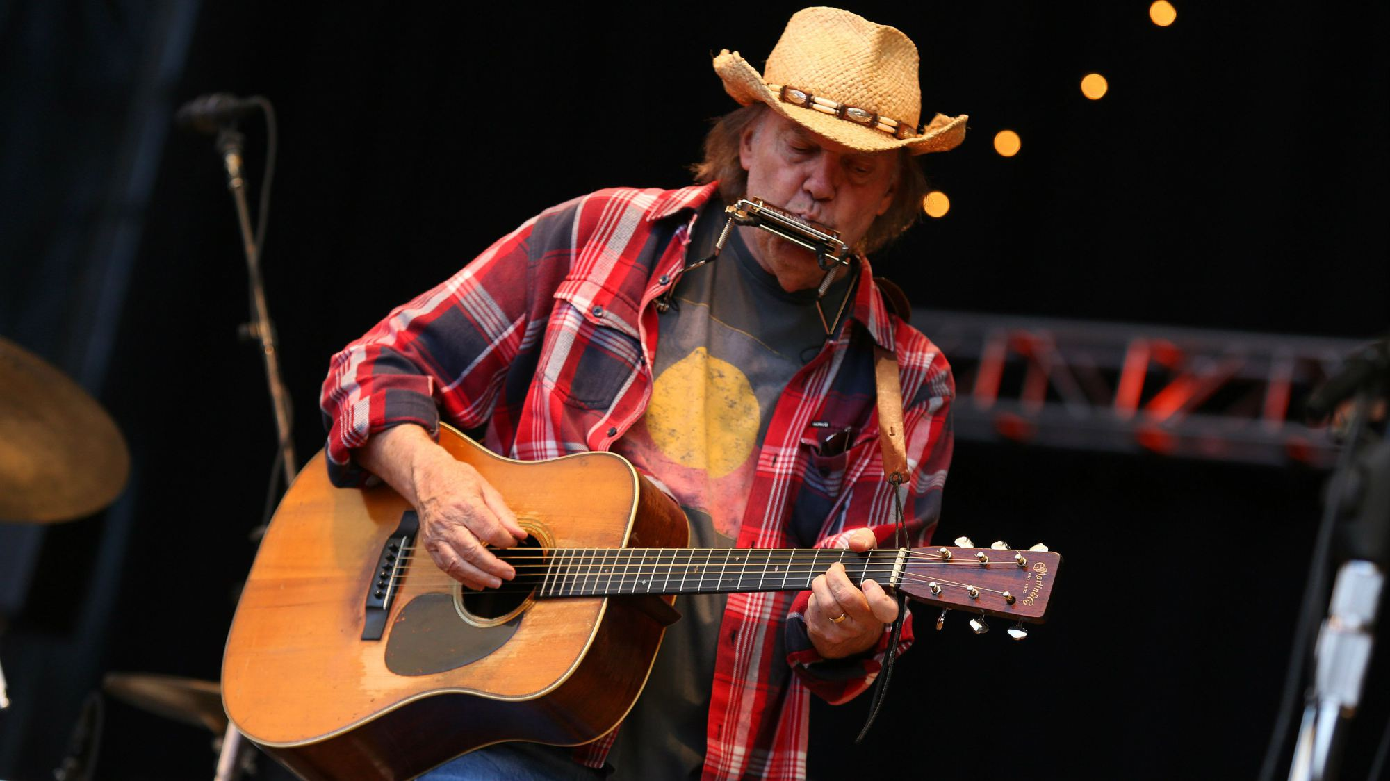 neil-young-pono-lossless