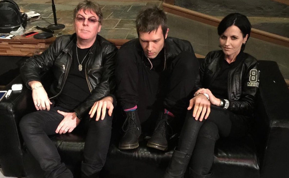 dolores divorced singles Who is she dating right now according to our records, dolores o'riordan is possibly single relationships dolores o'riordan was previously married to don burton (1994.