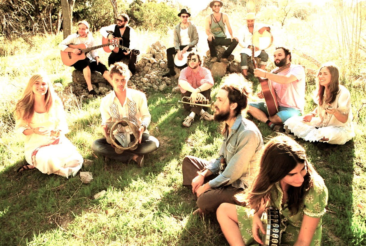edward-sharpe-and-the-magnetic-zeros-4