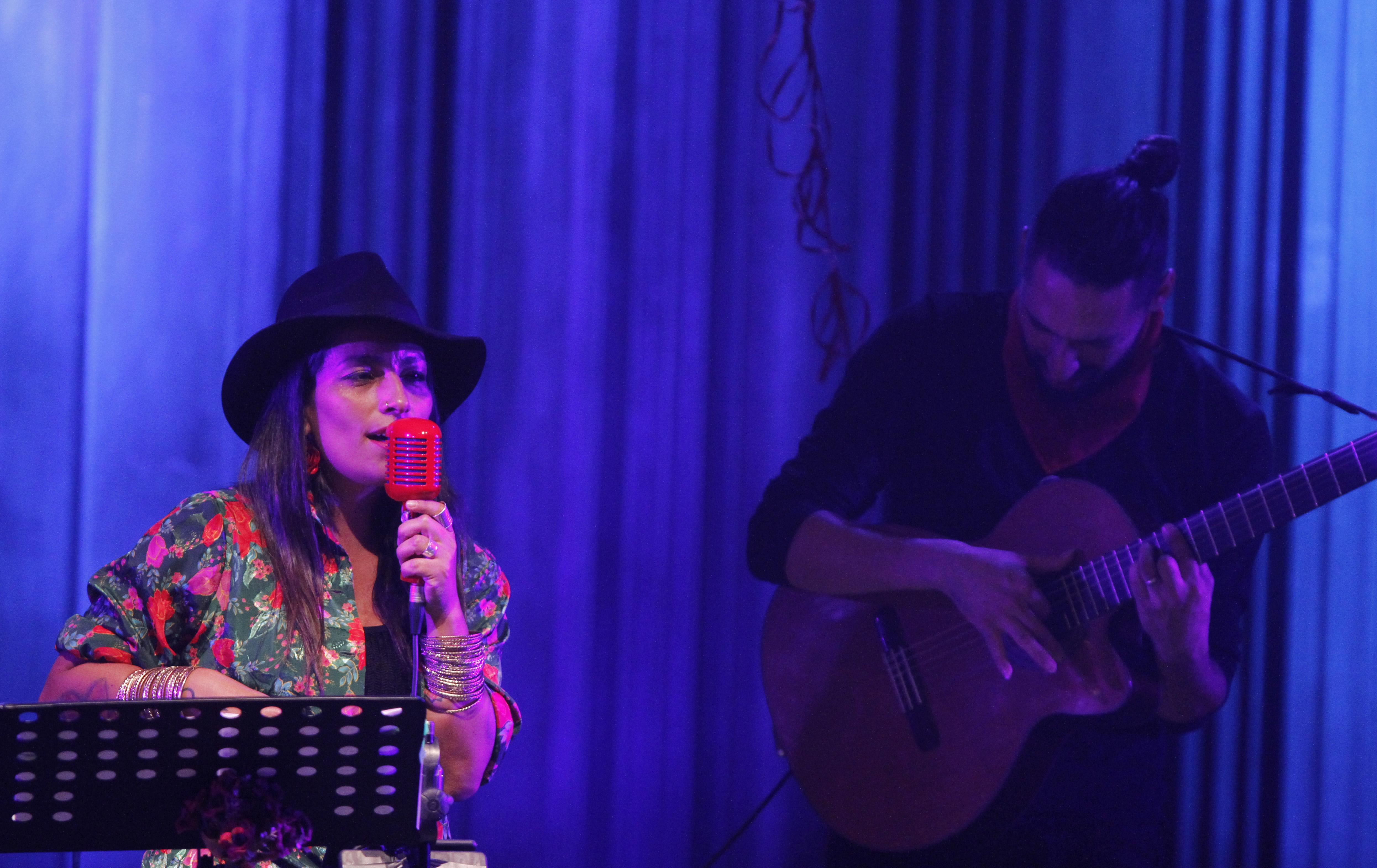 10 de Diciembre del 2017/SANTIAGO La cantante Ana Tijooux, se presenta en el teatro oriente, en el marco del Festival Santiago a Mil. FOTO: RODRIGO SAENZ/AGENCIAUNO