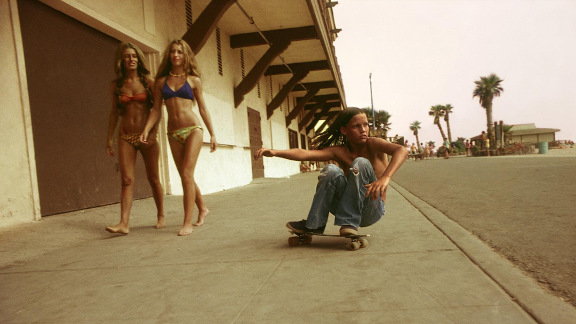 rediscovered-photos-of-the-70s-hollywood-skate-scene-1439398811