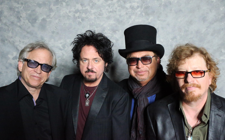 Escucha 'Hash Pipe', el nuevo cover de Toto
