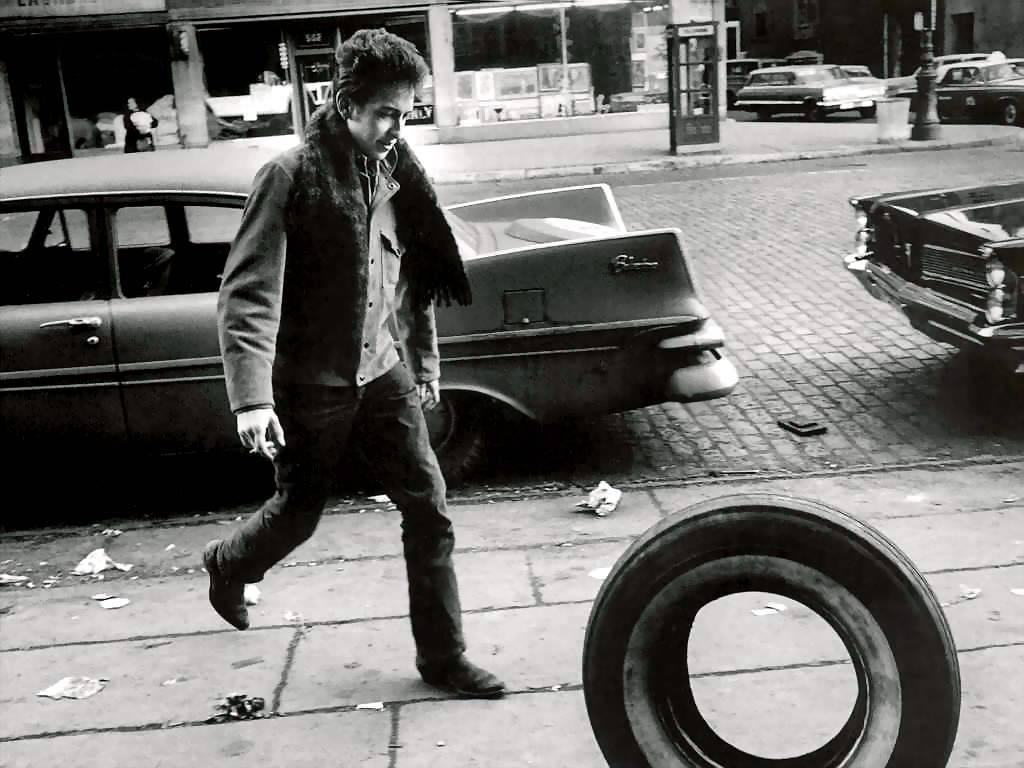 http://potq.cl/wp-content/uploads/Rock-Roll-Bob-Dylan.jpg