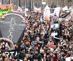 Mixtape social: estudiantes marchando