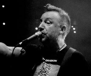 Peter Hook cancela concierto en Chile a dos horas de su inicio