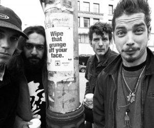 """Grunge: """"no puedes estar de su lado y del nuestro al mismo tiempo"""""""